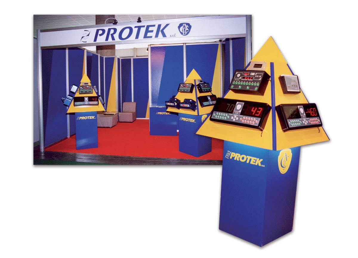 Protek Floor Display